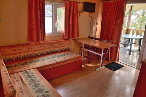 location watipi montana jabron coin salon terrasse
